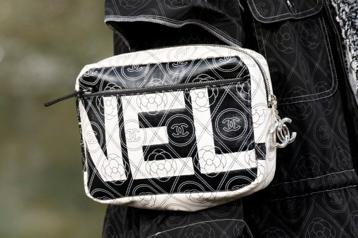Chanel clp A RS18 4504