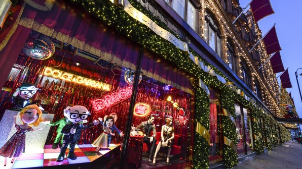 Harrods-dolce-gabbana-holiday-2017-takeover-the-impression-05