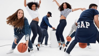 Gap-meet-me-in-the-gap-campaign-the-impression-10