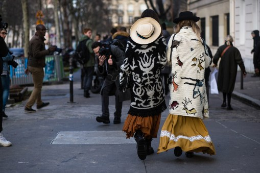Paris-Couture-street-style-robert-purwin-the-impression-40