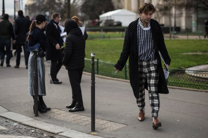 Paris-Couture-street-style-robert-purwin-the-impression-60