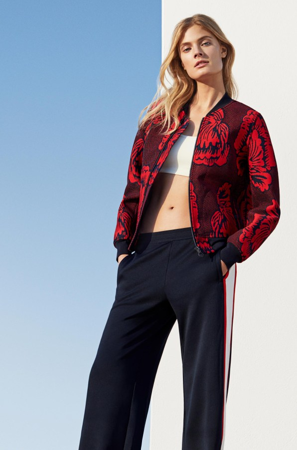 Tory-Sport-spring-2018-ad-campaign-the-impression-02