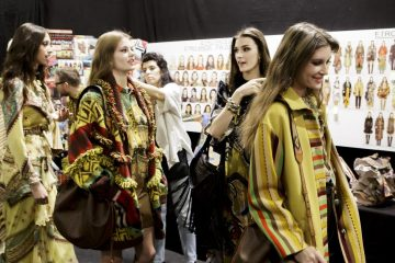 Etro Fall 2018 Fashion Show Backstage