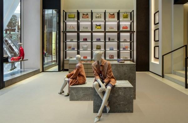 Bottega-Veneta-dubai-mall-store-review-the-impression-02