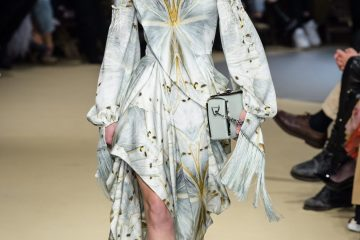 Alexander McQueen Fall 2018 Fashion Show