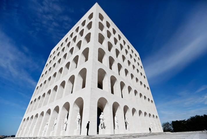 Fendi_Rome-HQ_Palazzo-della-Civilta