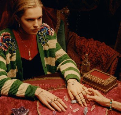 Gucci-timepieces-spring-2018-ad-campaign-the-impression-003