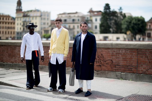 pitti-uomo-mens-street-style-sping-2019-fashion-shown-the-impression-003