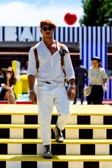 pitti-uomo-mens-street-style-sping-2019-fashion-shown-the-impression-024