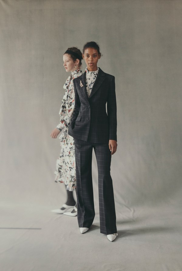 erdem-fall-2018-ad-campaign-the-impression-031
