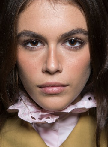 Alberta Ferretti Spring 2019 Fashion Show Backstage Beauty