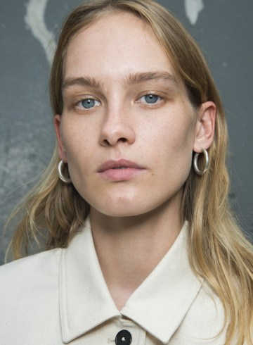Jil Sander Spring 2019 Fashion Show Backstage Beauty
