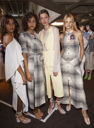 Roland Mouret Spring 2019 Fashion Show Backstage