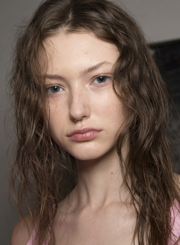 Natasha Zinko Spring 2019 Fashion Show Backstage Beauty