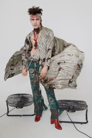 vivienne-westwood-fall-2018-ad-campaign-the-impression-037