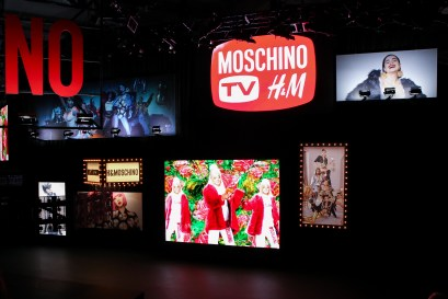 MOSCHINO [tv] H&M Holiday 2018 Fashion Show-atmosphere-the-impression-010