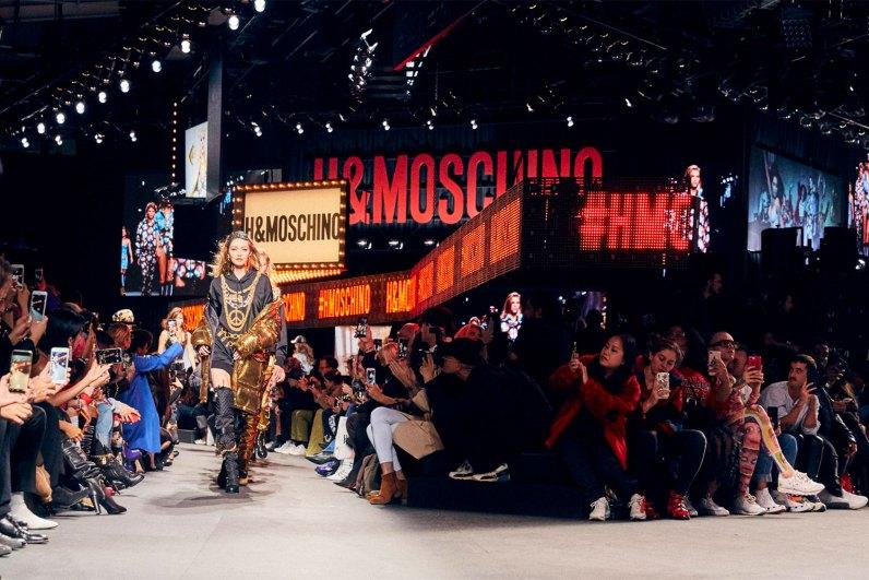 MOSCHINO [tv] H&M Holiday 2018 Fashion Show-the-impression-060