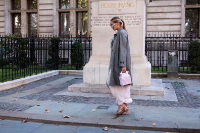 lfw-streetstyle-by-poli-alexeeva-the-impression-004