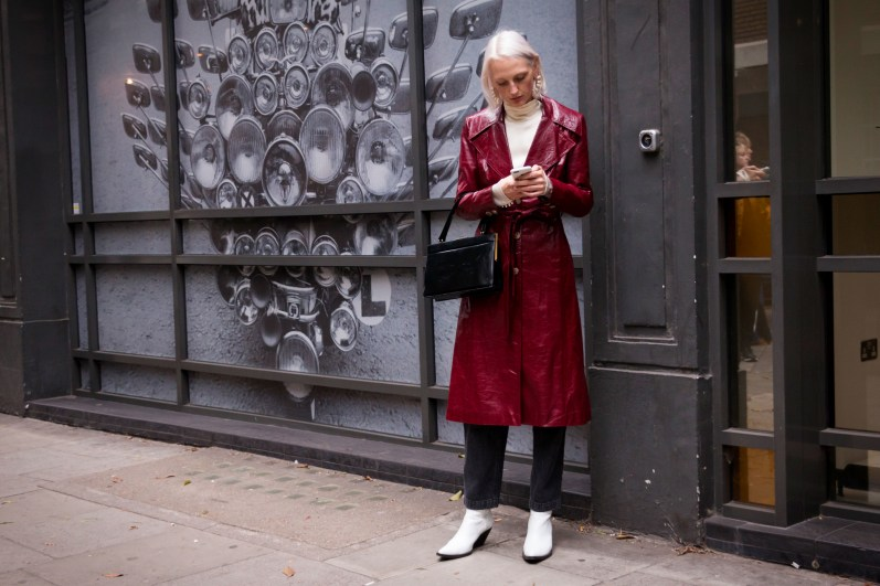 lfw-streetstyle-by-poli-alexeeva-the-impression-012