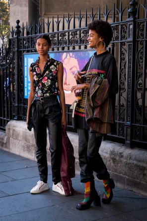 lfw-streetstyle-by-poli-alexeeva-the-impression-053