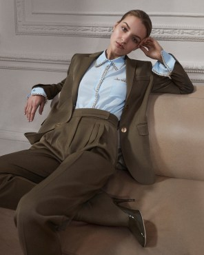 Burberry-pre-fall-2019-the-impression-26
