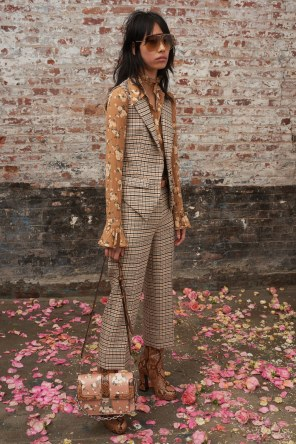 Michael-Kors-Collectioni-Pre-Fall-2019-Collection-the-impression-07