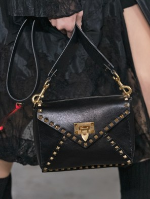 Valentino-pre-fall-2019-details-collection--the-impression-06