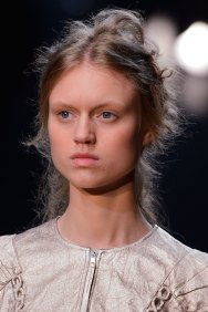 Alexander-McQueen-runway-beauty-spring-2016-fashion-show-the-impression-004