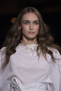 Alexis-Mabille-spring-2016-runway-beauty-fashion-show-the-impression-29
