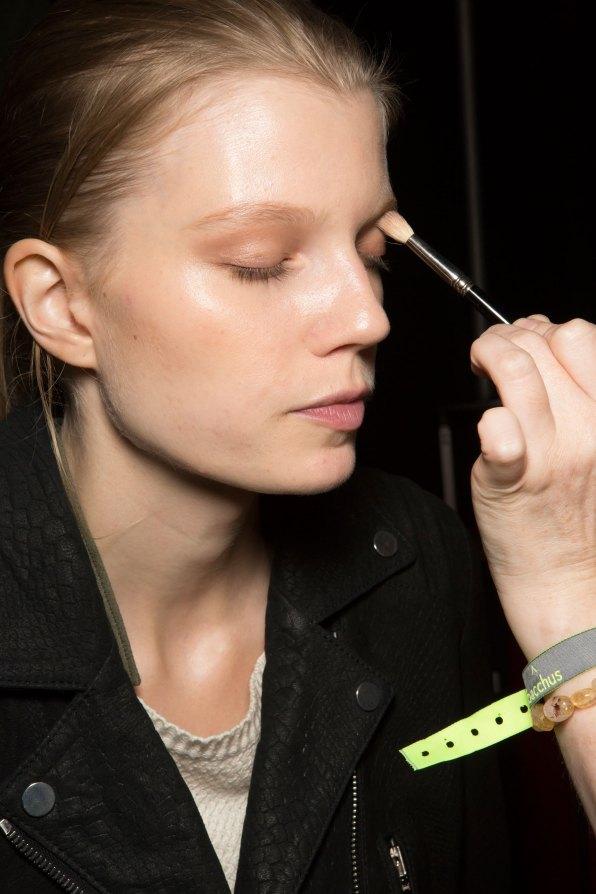 Amanda-wakeley-spring-2016-beauty-fashion-show-the-impression-02