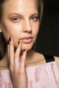 Amanda-wakeley-spring-2016-beauty-fashion-show-the-impression-17