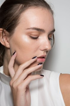 Amanda-wakeley-spring-2016-beauty-fashion-show-the-impression-30