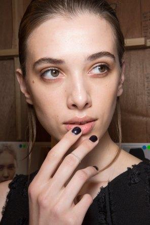 Amanda-wakeley-spring-2016-beauty-fashion-show-the-impression-41