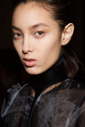 Ann-Demeulemeester-spring-2016-beauty-fashion-show-the-impression-30