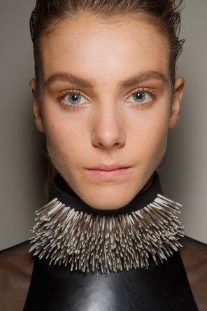 Ann-Demeulemeester-spring-2016-beauty-fashion-show-the-impression-31