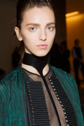 Ann-Demeulemeester-spring-2016-beauty-fashion-show-the-impression-33