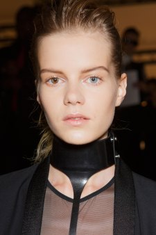 Ann-Demeulemeester-spring-2016-beauty-fashion-show-the-impression-34