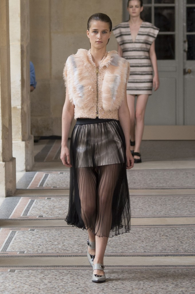 BOUCHRA-JARRAR-fall-2015-couture-show-the-impression-010