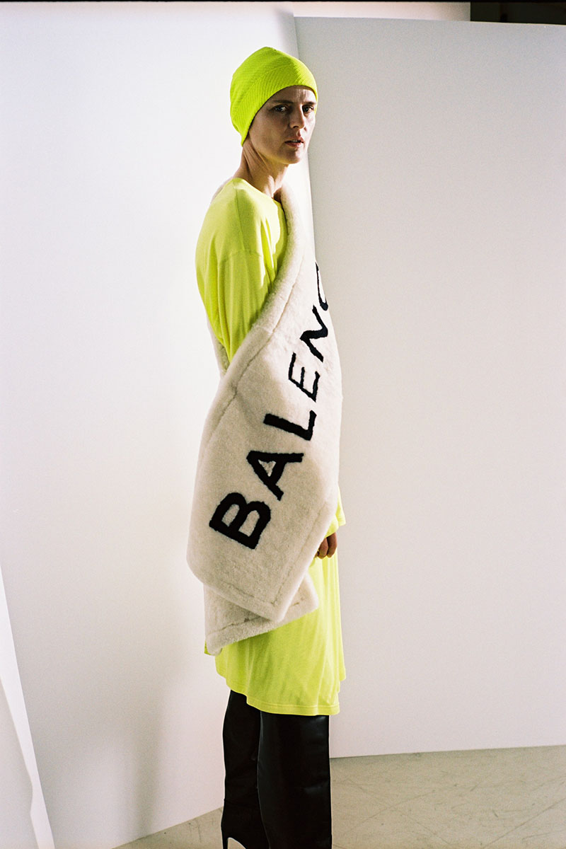 Balenciaga-pre-fall-2016-fashion-show-the-impression-01