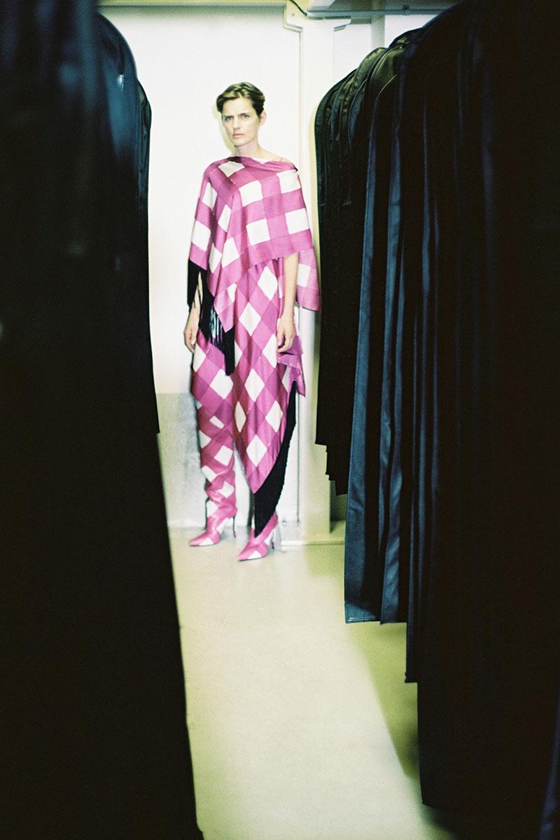 Balenciaga-pre-fall-2016-fashion-show-the-impression-03