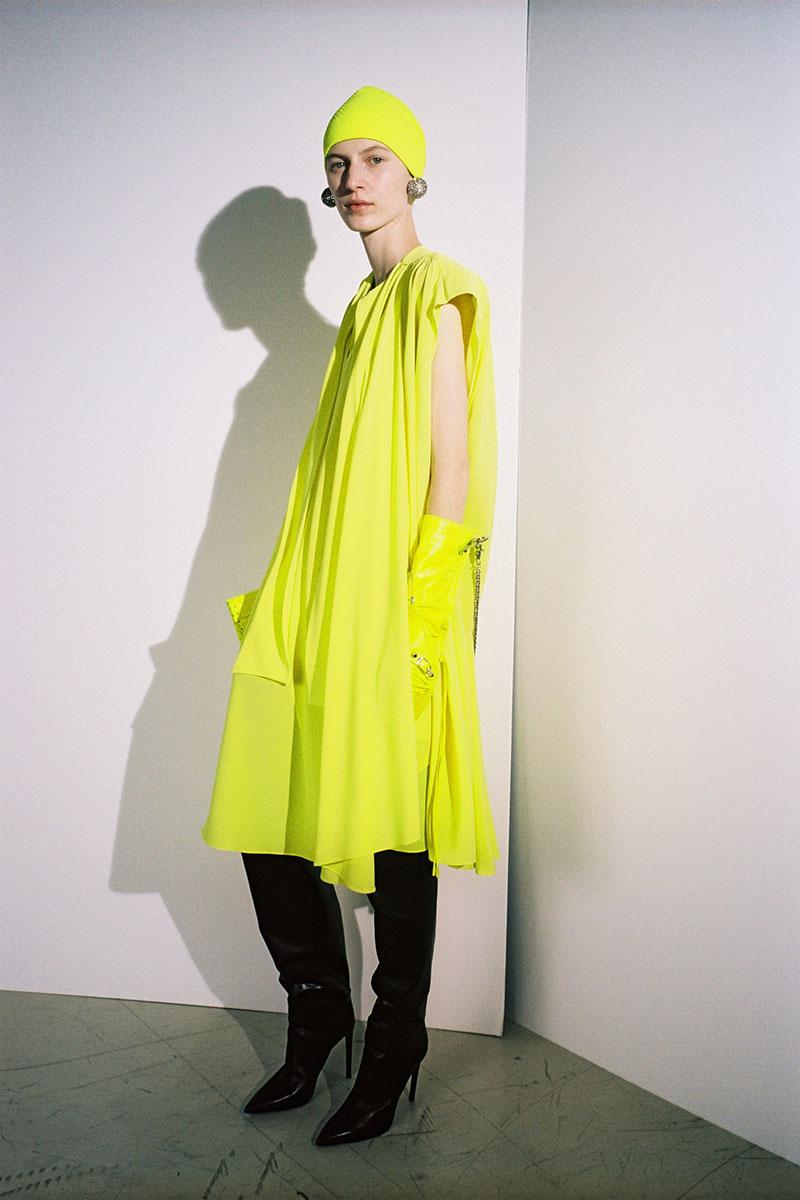 Balenciaga-pre-fall-2016-fashion-show-the-impression-04