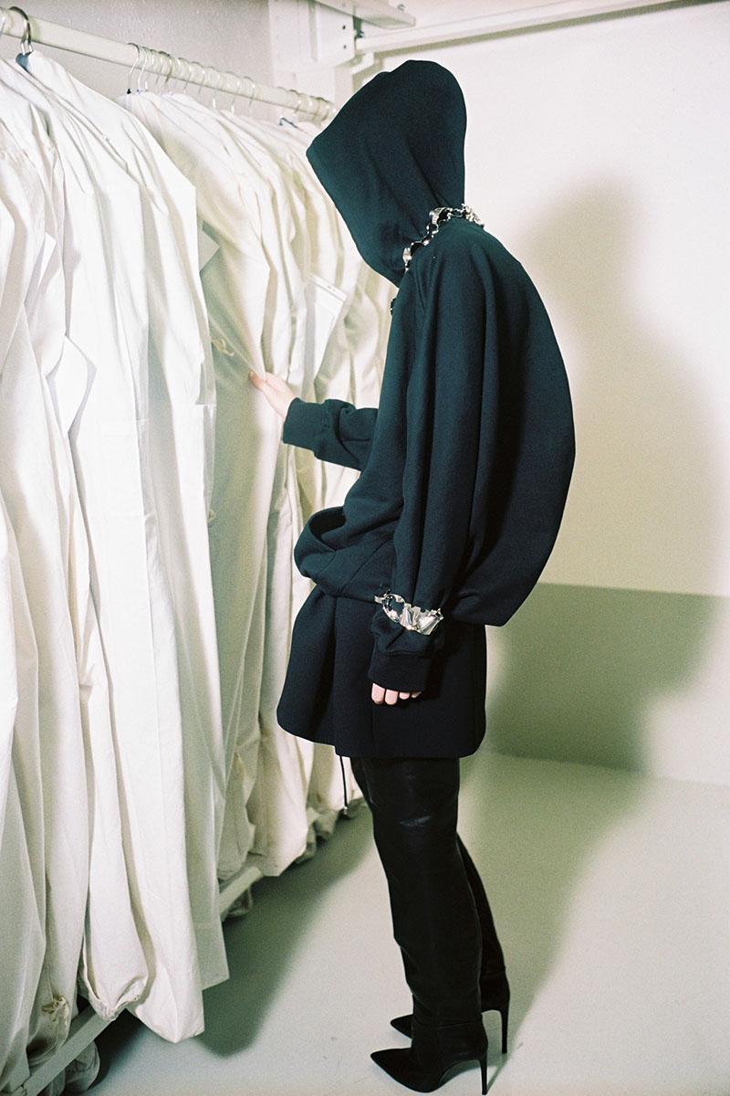 Balenciaga-pre-fall-2016-fashion-show-the-impression-17