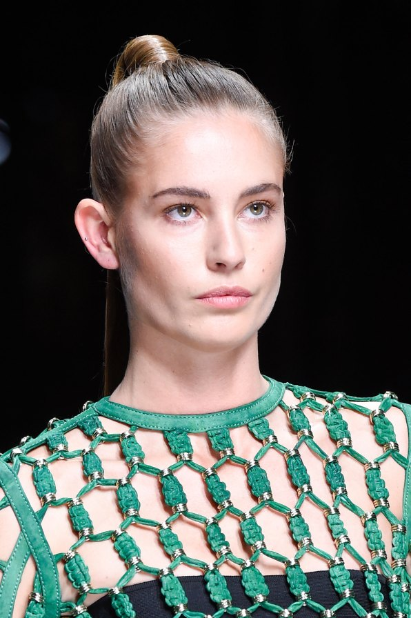 Balmain-spring-2016-runway-beauty-fashion-show-the-impression-53