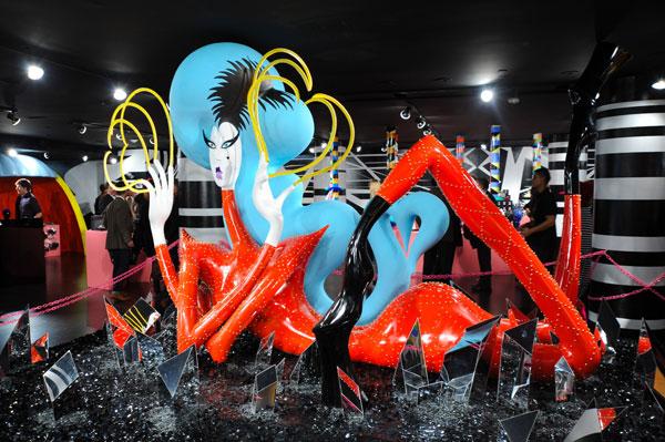 Barneys-New-York-Gaga-Workshop-holiday-2011-the-impression001