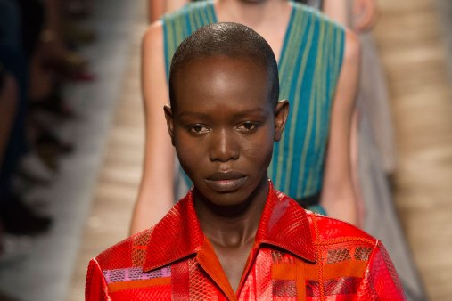 Bottega-Veneta-runway-beauty-spring-2016-close-up-fashion-show-the-impression-027