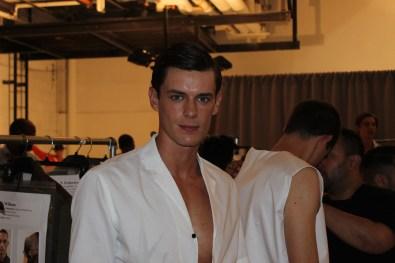 Carlos-Campos-fashion-show-backstage-spring-2017-the-impression-02