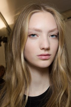 Carven-spring-2016-beauty-fashion-show-the-impression-75