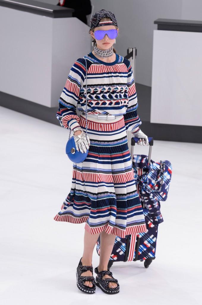 Chanel-spring-2016-fashion-show-the-impression-034-680x1024