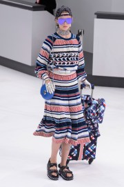 Chanel-spring-2016-fashion-show-the-impression-034-680x1024