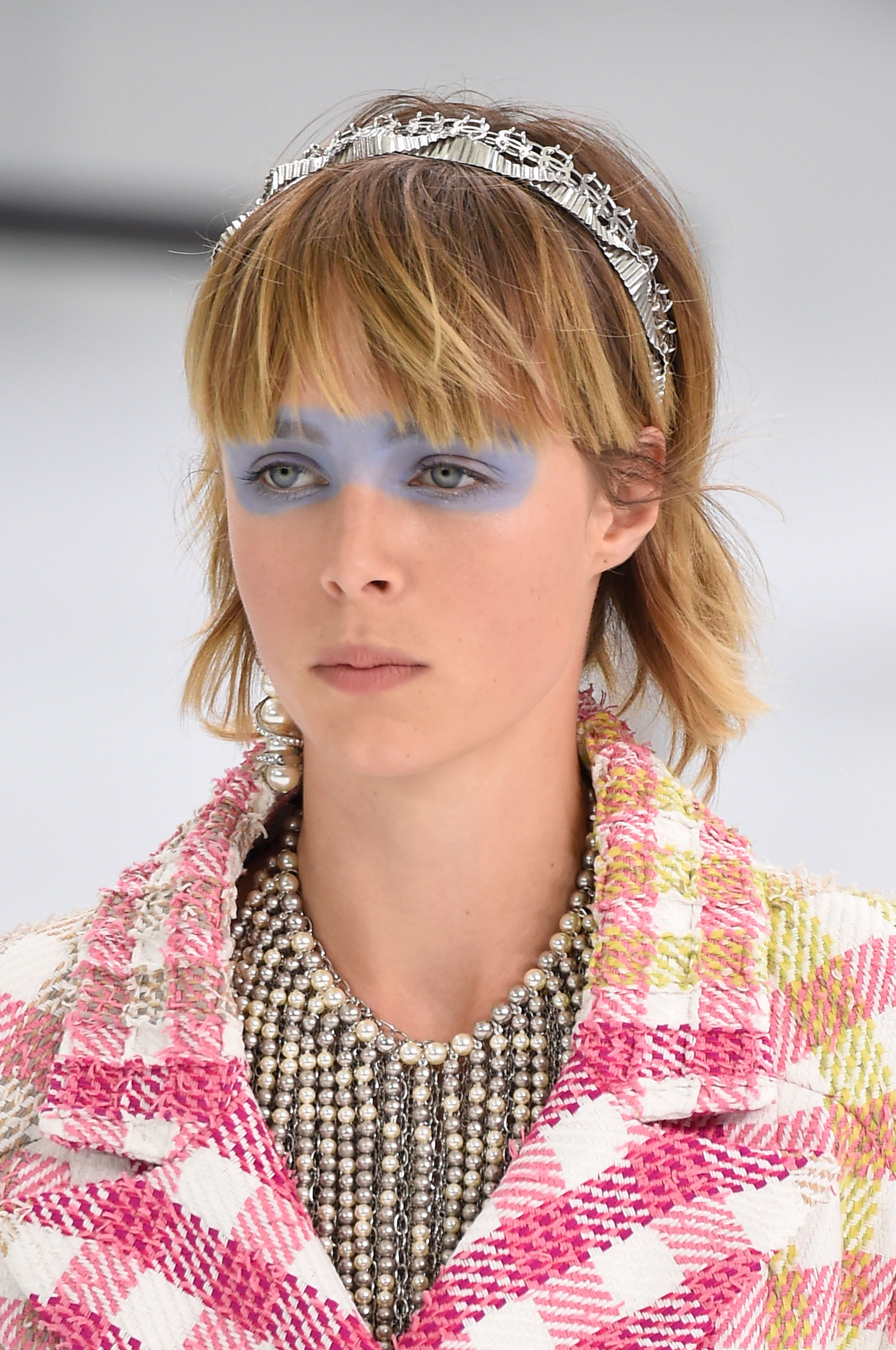 Chanel-spring-2016-runway-beauty-fashion-show-the-impression-01